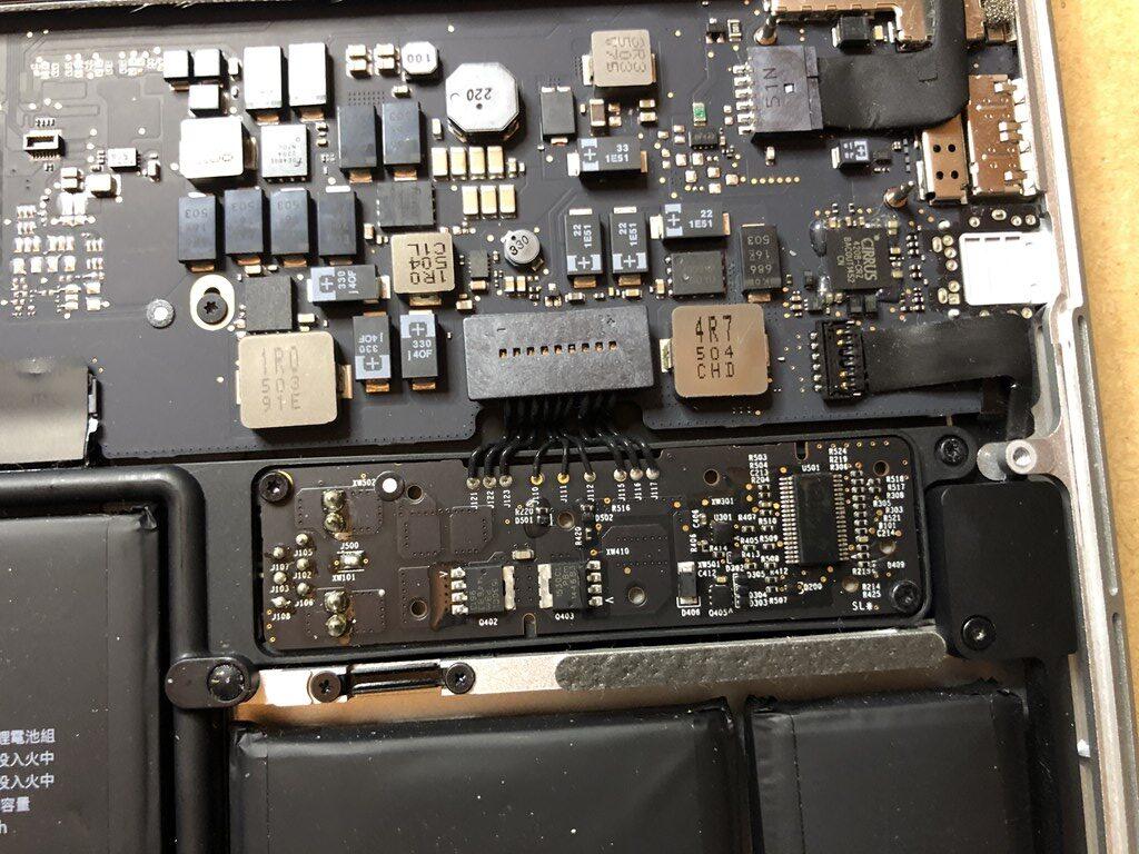 Mac Book Pro Early 2015 バッテリー端子